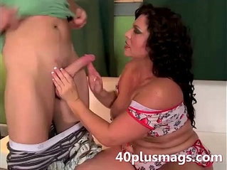 Pretty chubby latina MILF